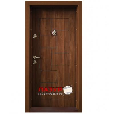 Блиндирана входна врата  Т100 Златен дъб